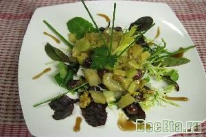 Теплый салат из сельдерея